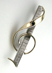 Custom G Clef  Pin with Keyboard in 14KT